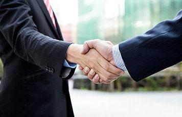 事業承継/M&A/廃業を検討している「小規模企業・個人事業」の経営者様へ